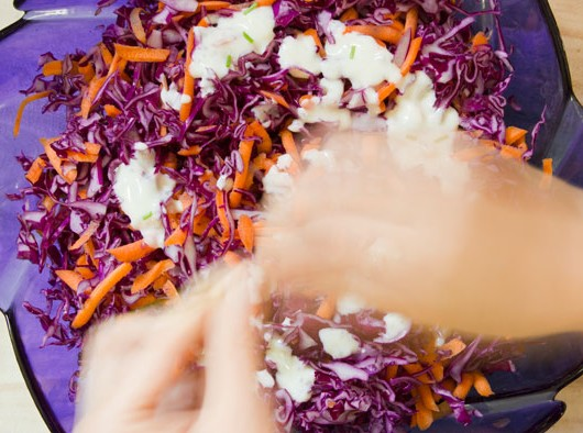 red_cabbage_salad_700x394