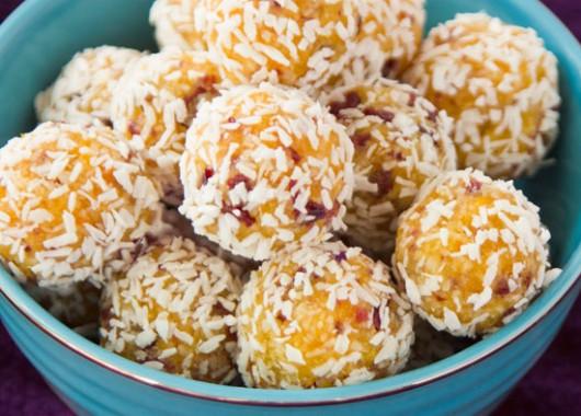 apricot_balls_700x394
